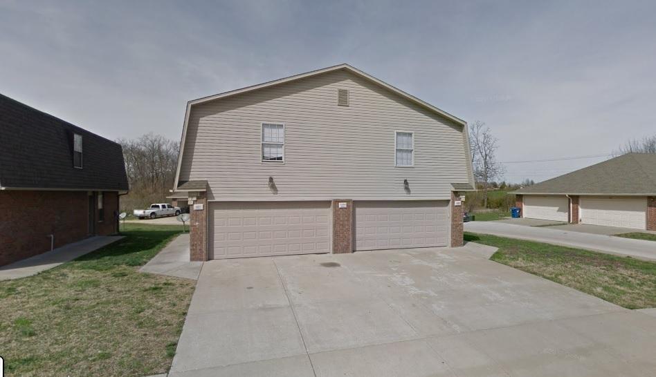 925-947 West Black St Ozark, MO 65721
