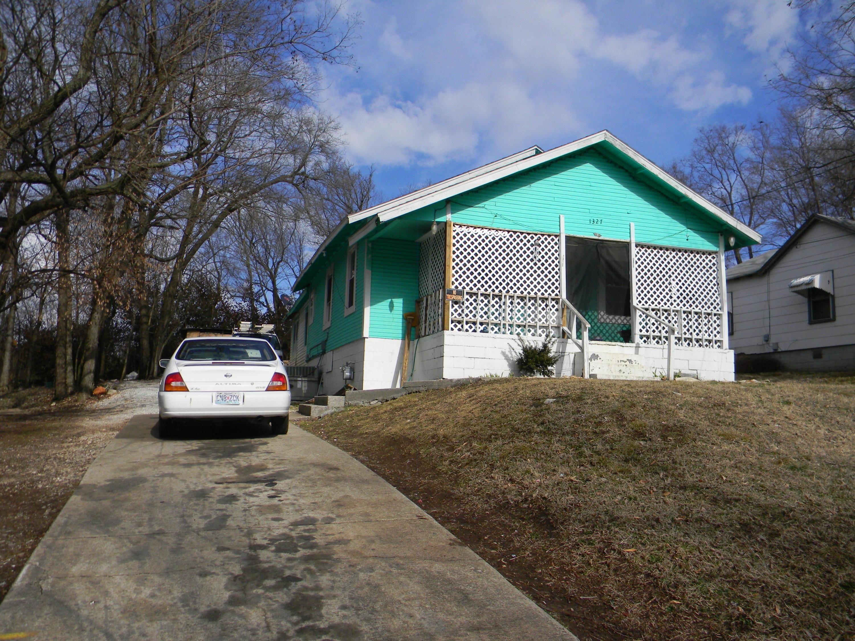 1327 West Livingston Street Springfield, MO 65803