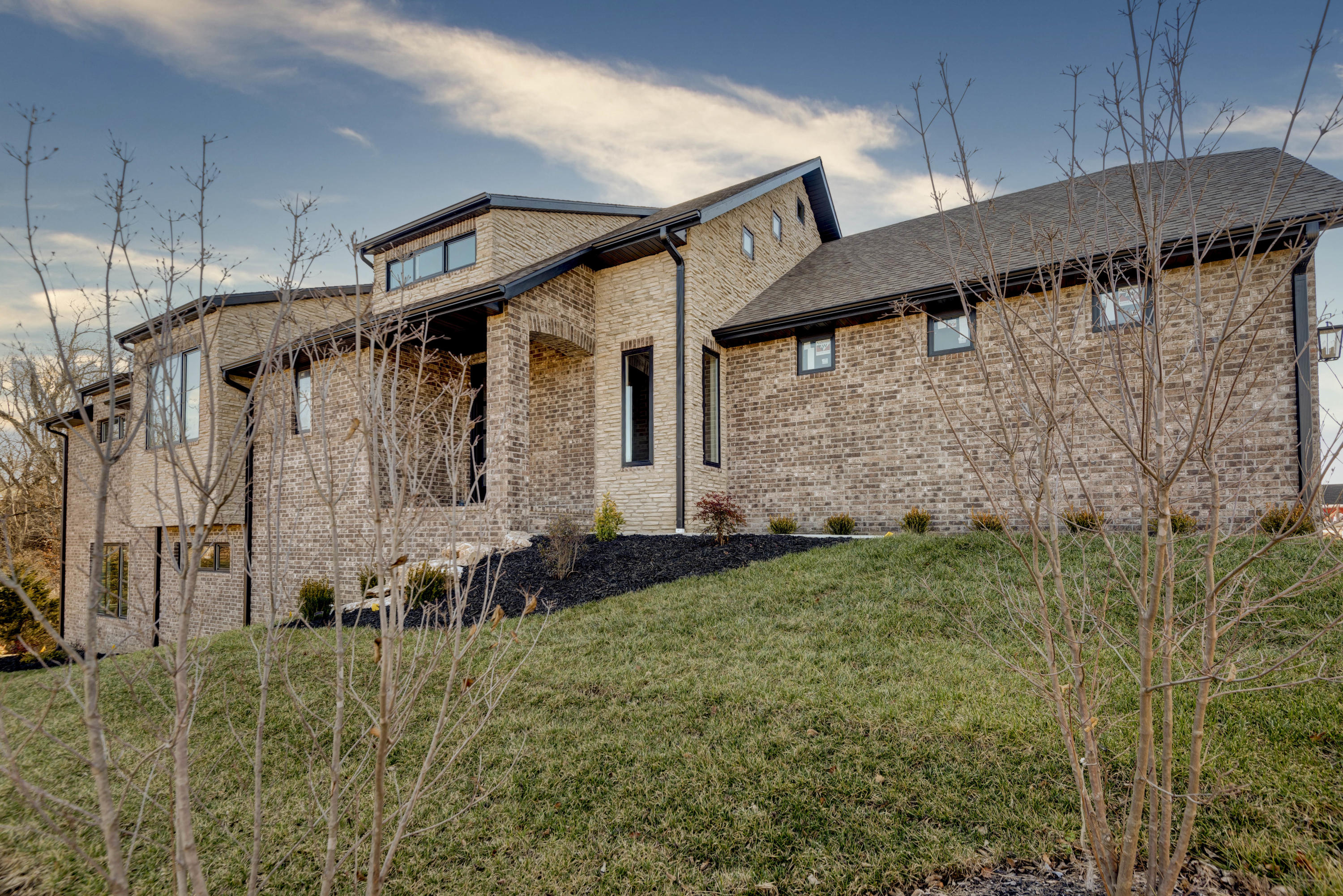 3830 East Cypress Point Street Springfield, MO 65802
