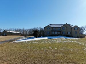 1000 Golf Course Road, Marshfield, MO 65706