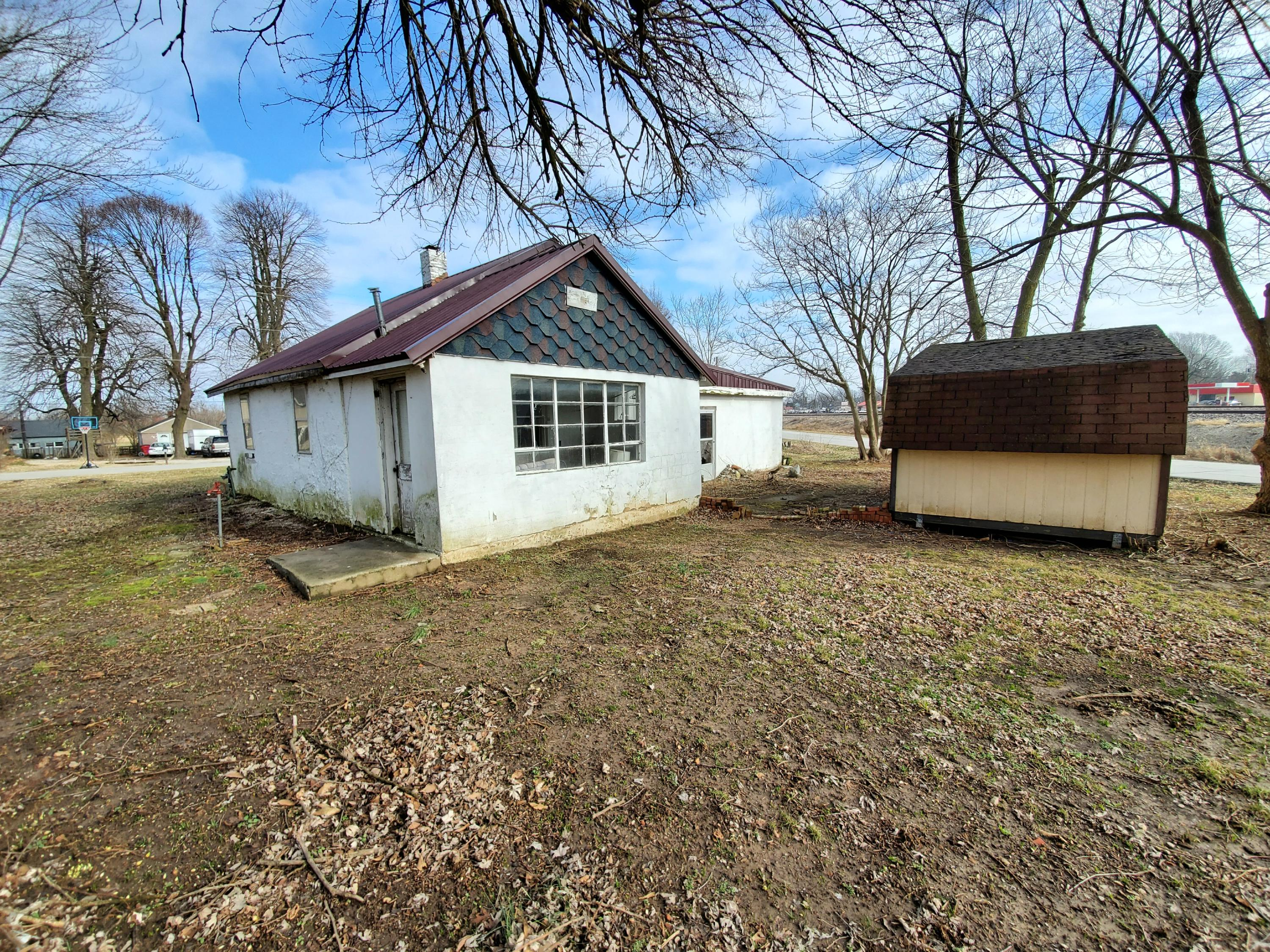 522 West McHenry Avenue Billings, MO 65610