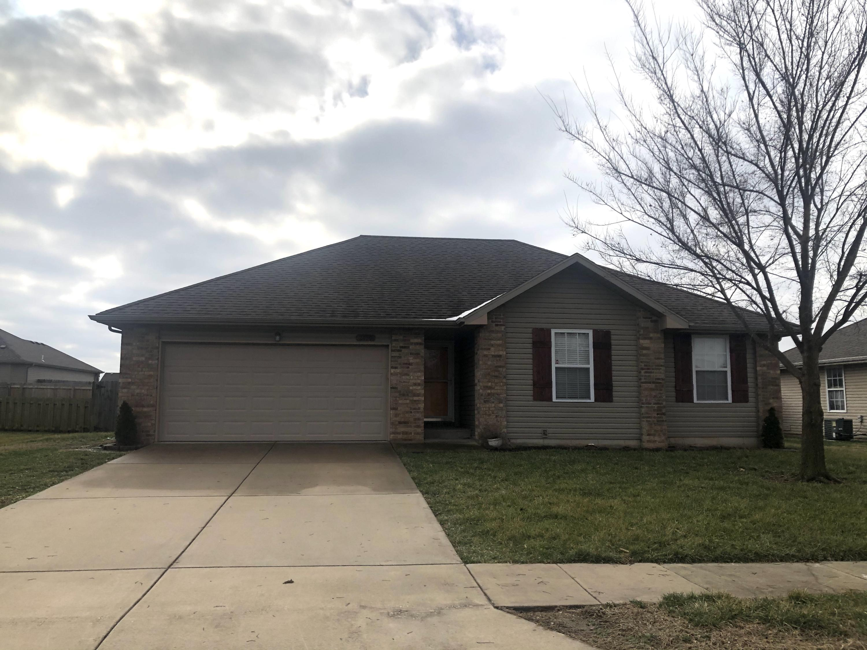2450 East Willow Republic, MO 65738