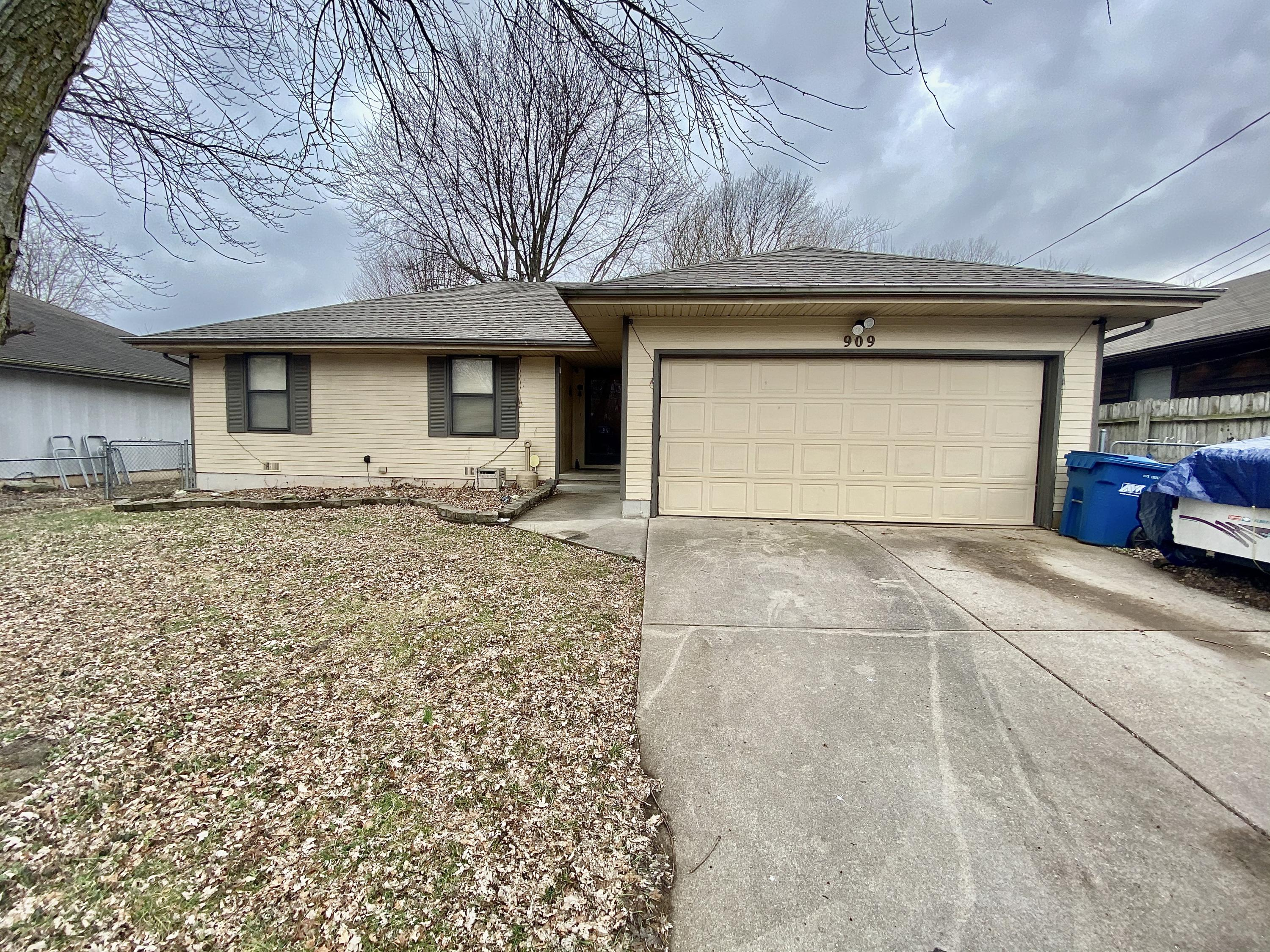 909 North Homewood Avenue Springfield, MO 65803