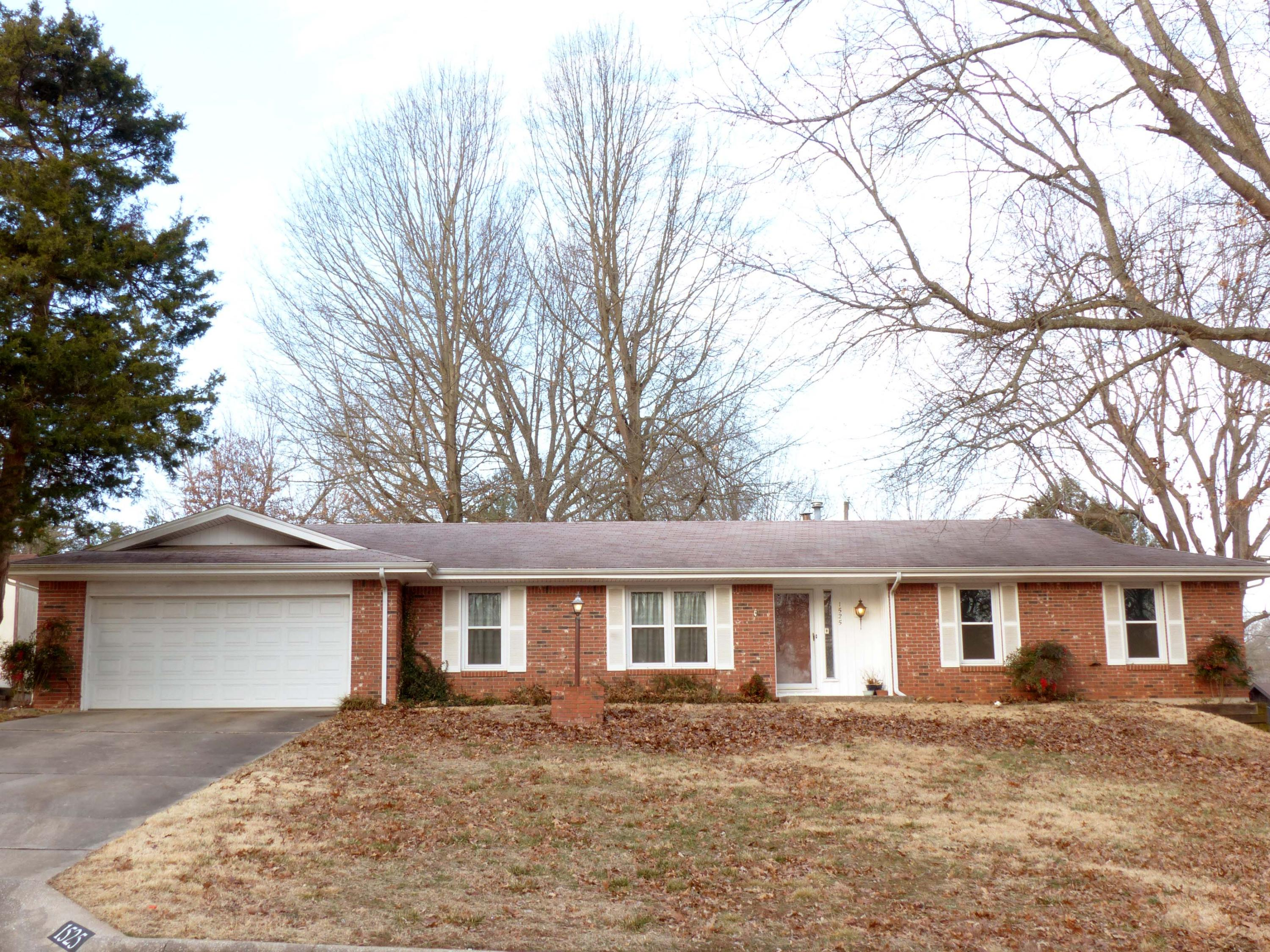 1525 South Charing Avenue Springfield, MO 65809