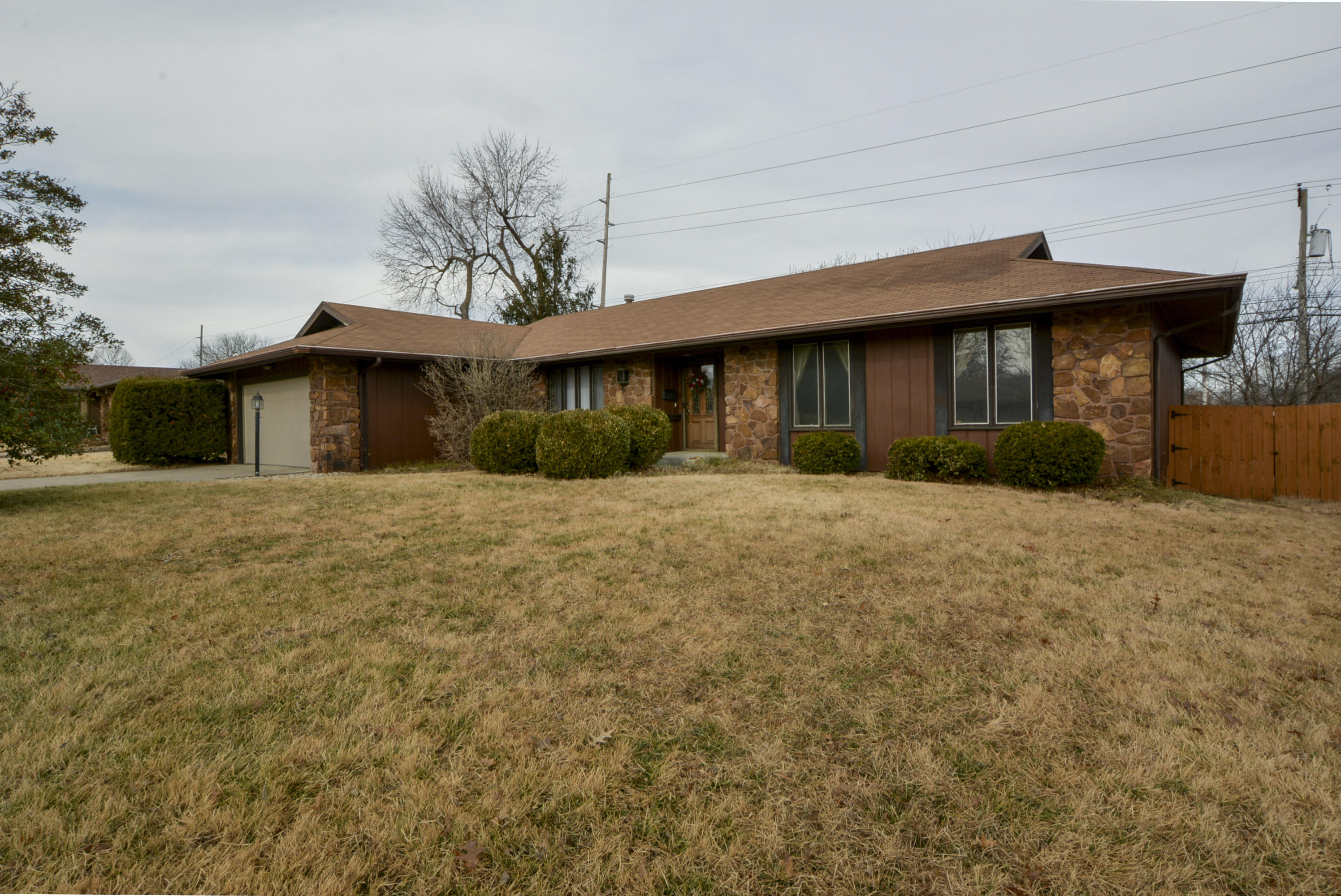 2273 East Meadow Street Springfield, MO 65804