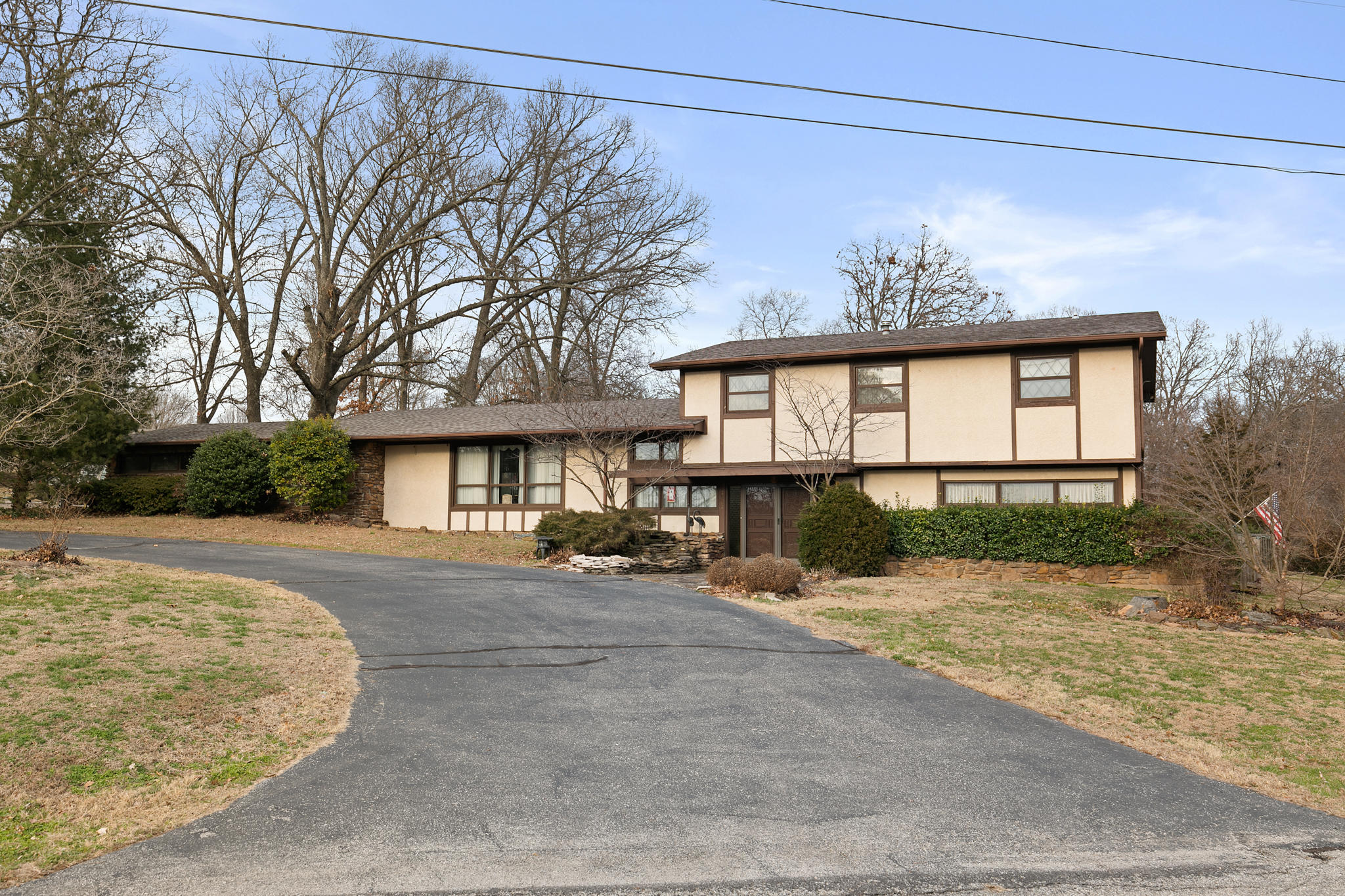 1001 Chinquapin Woods Cassville, MO 65625