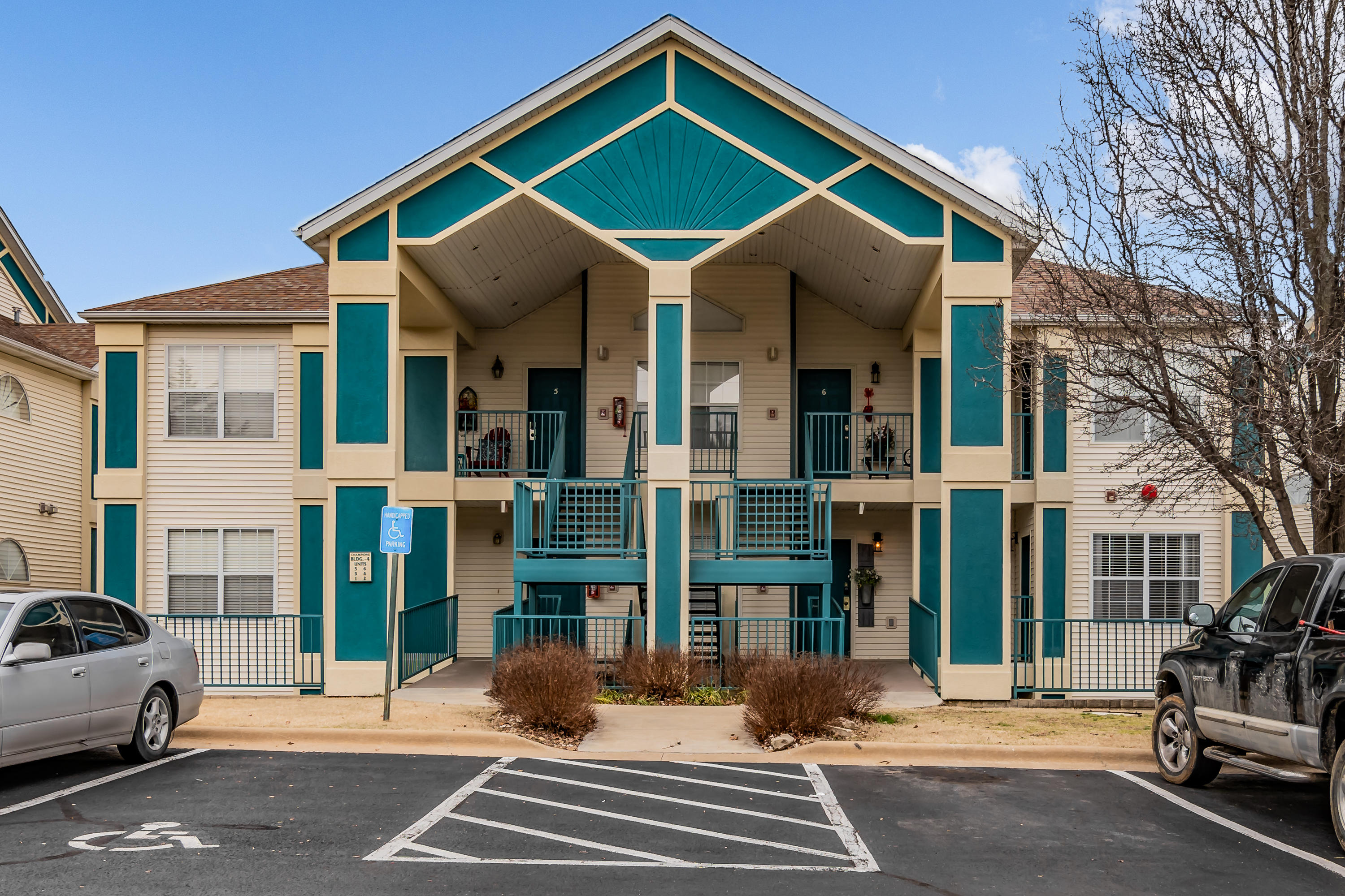 520 #4 Spring Creek Court Branson, MO 65616