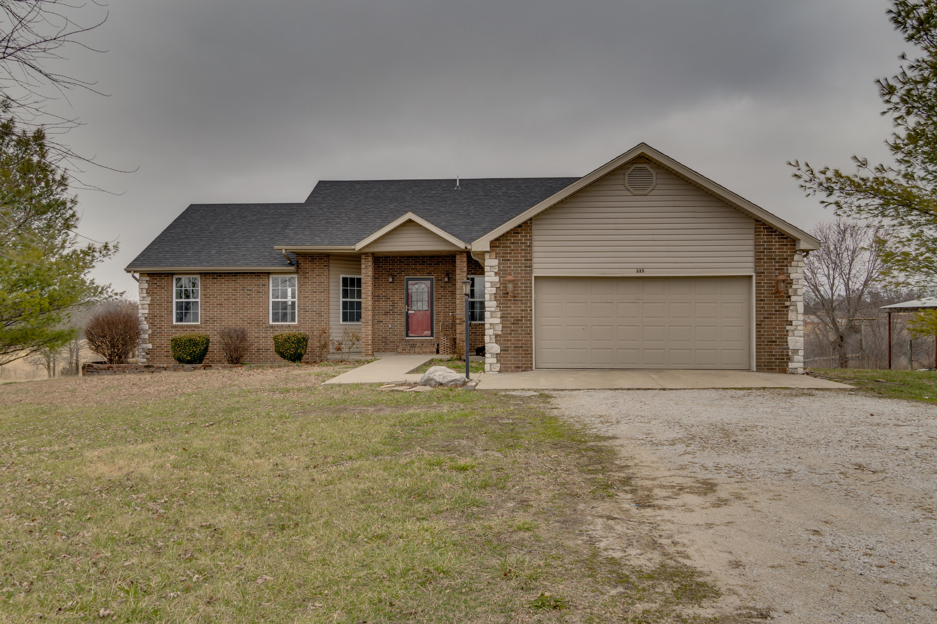 325 Julip Lane Highlandville, MO 65669