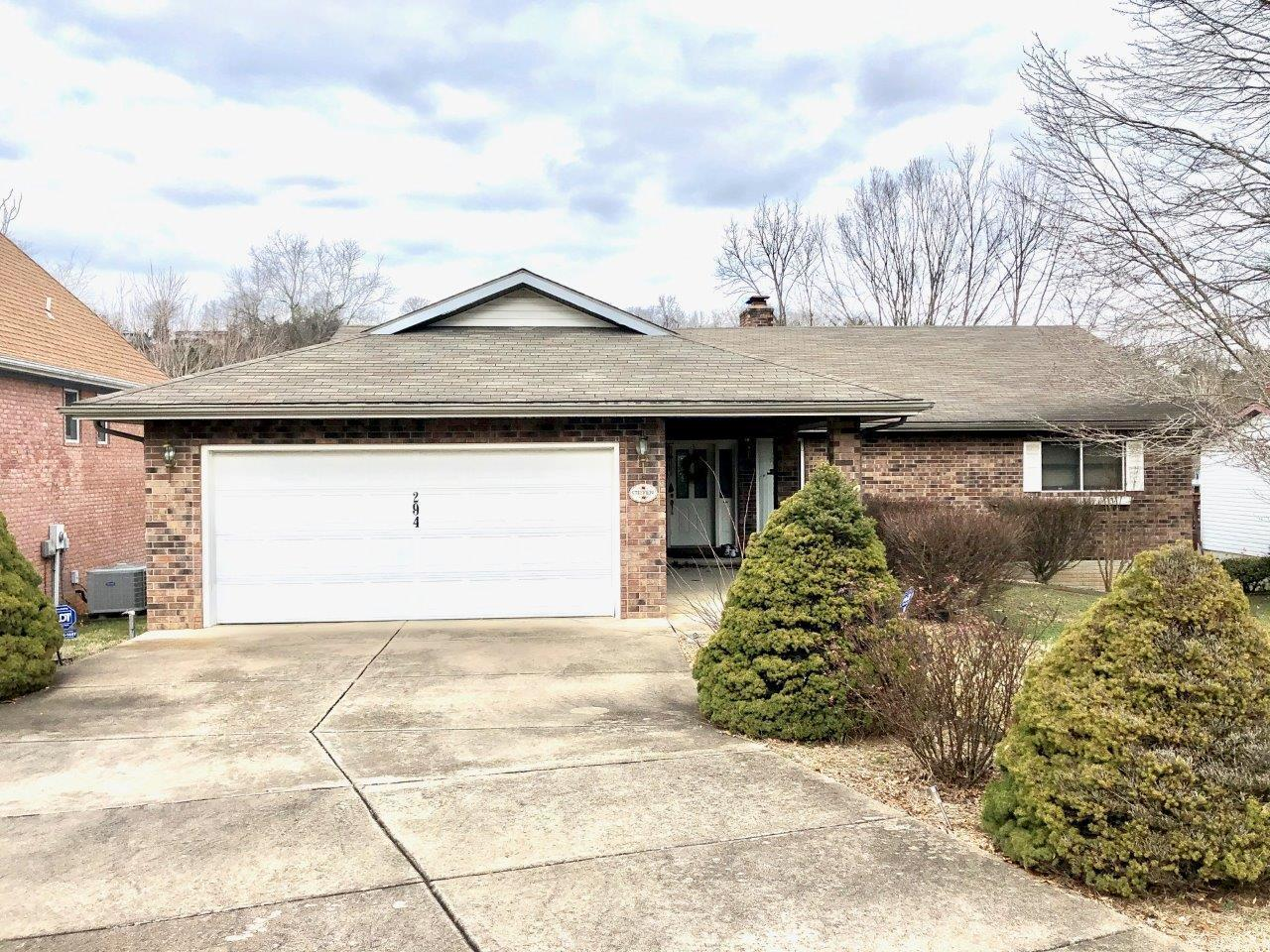 294 Michael Avenue Hollister, MO 65672