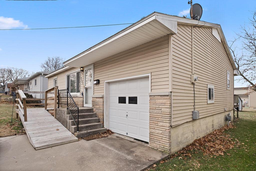 2319 North Weller Avenue Springfield, MO 65803