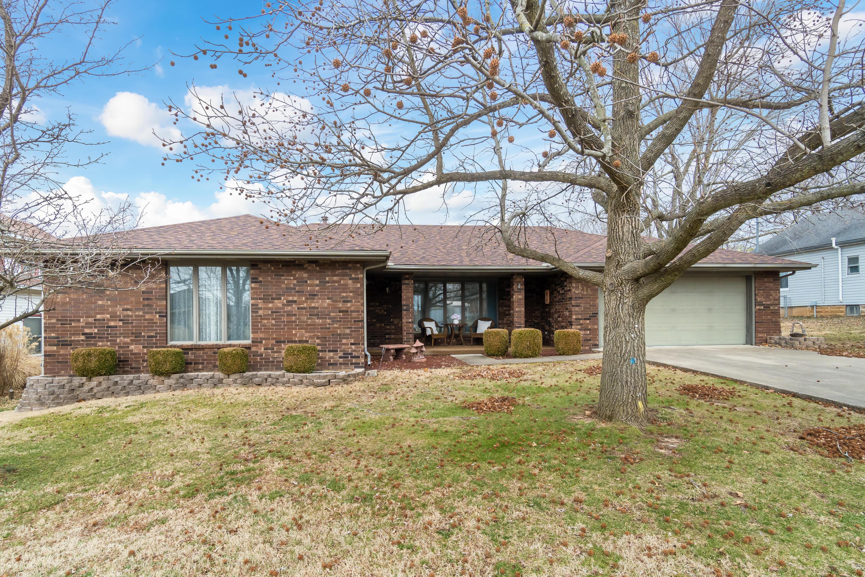 618 East Prairie Lane Ash Grove, MO 65604