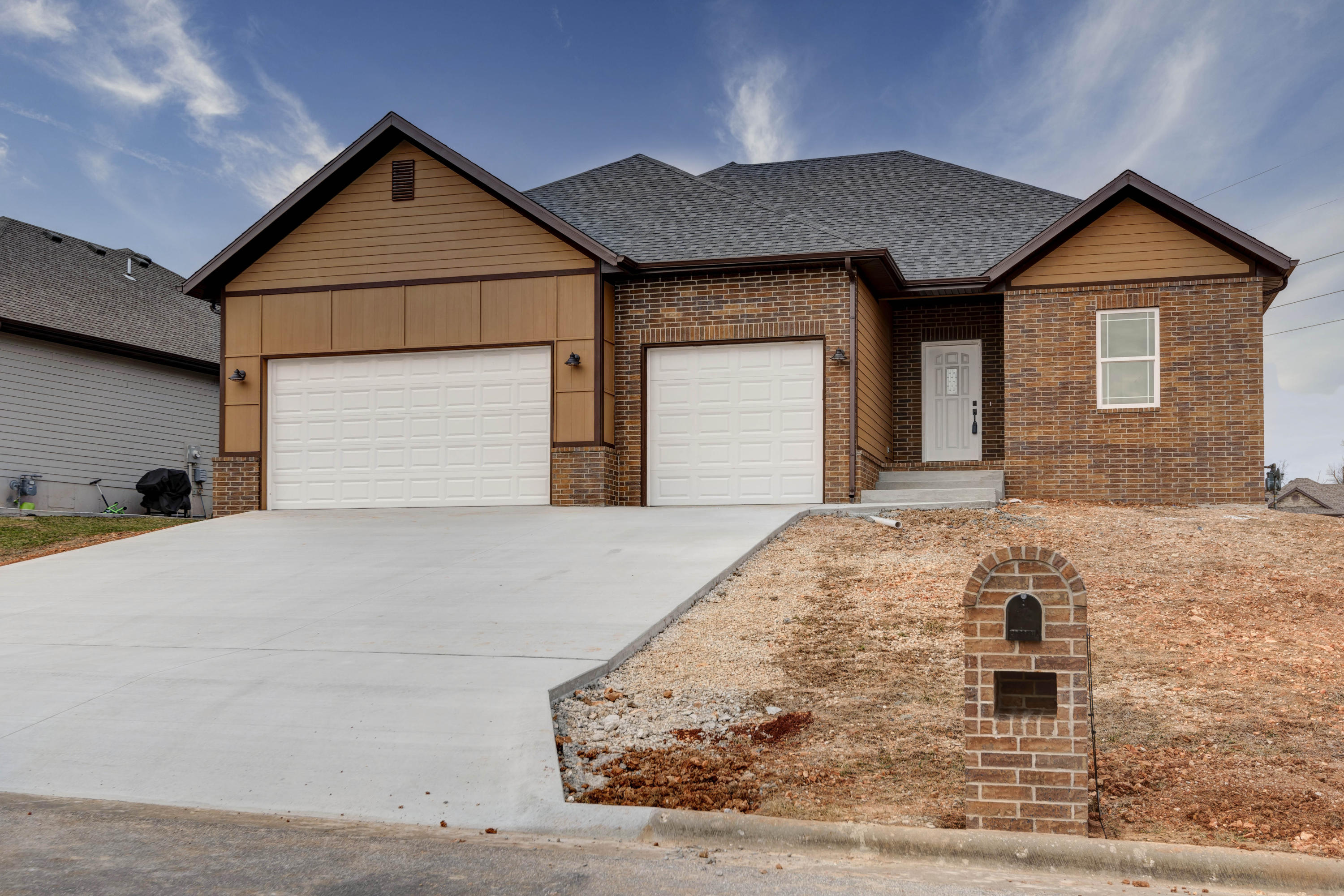 3351 North Tea Olive Court Springfield, MO 65803