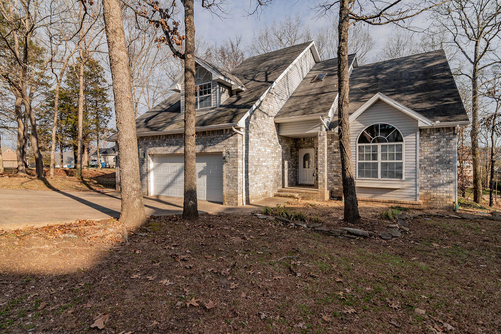 121 Loganberry Court Branson, MO 65616