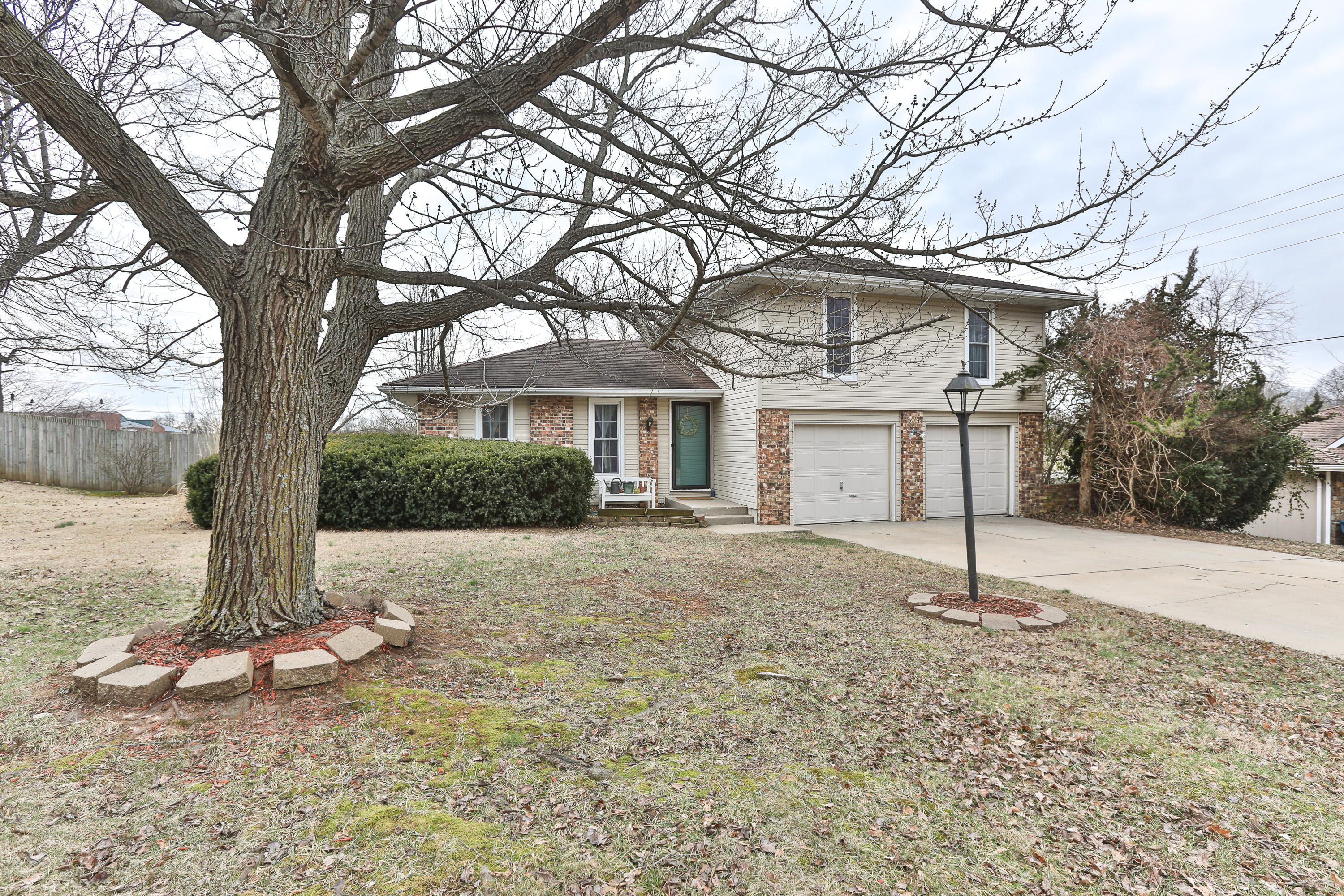3204 West Marty Street Springfield, MO 65810