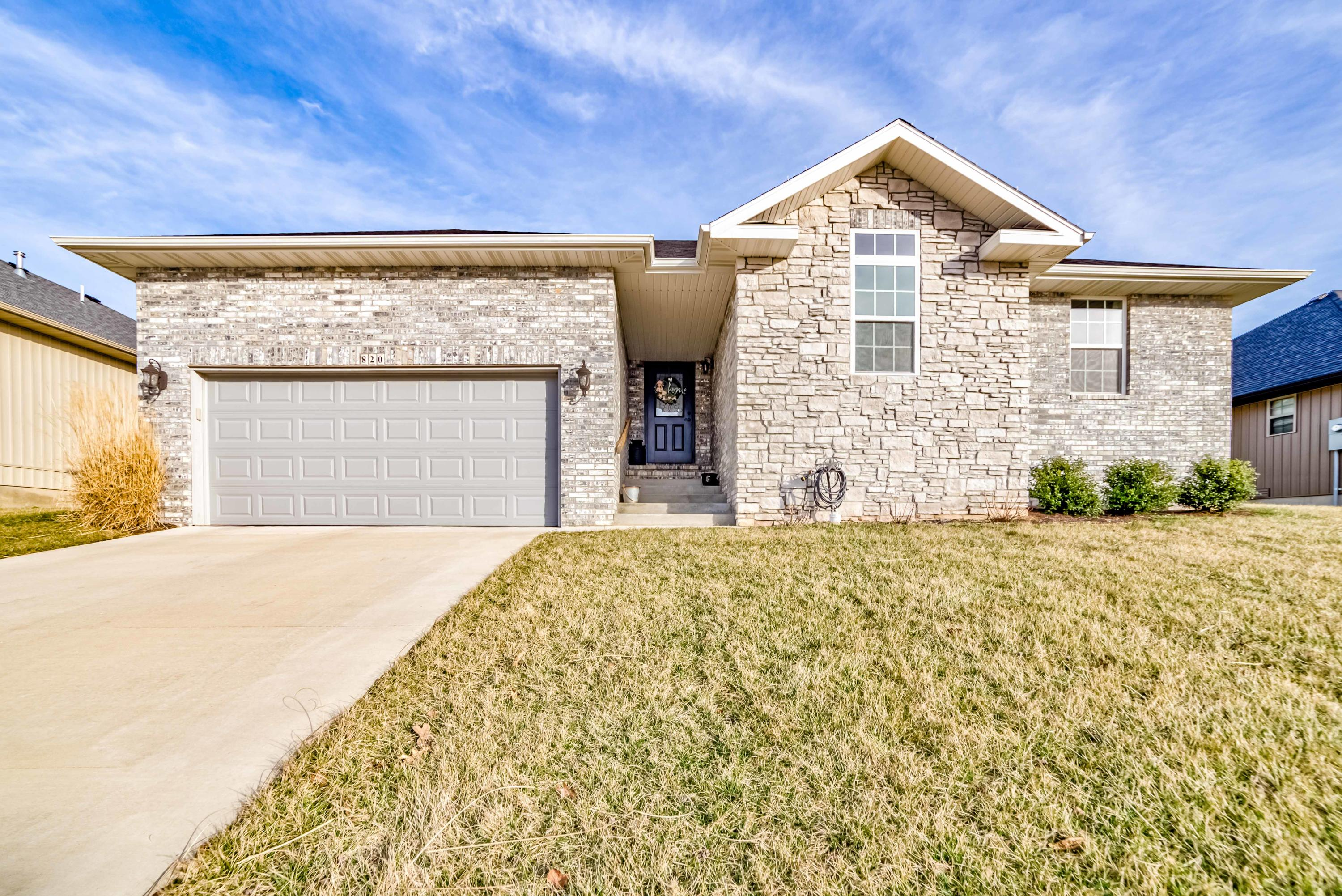 820 South Eastridge Nixa, MO 65714