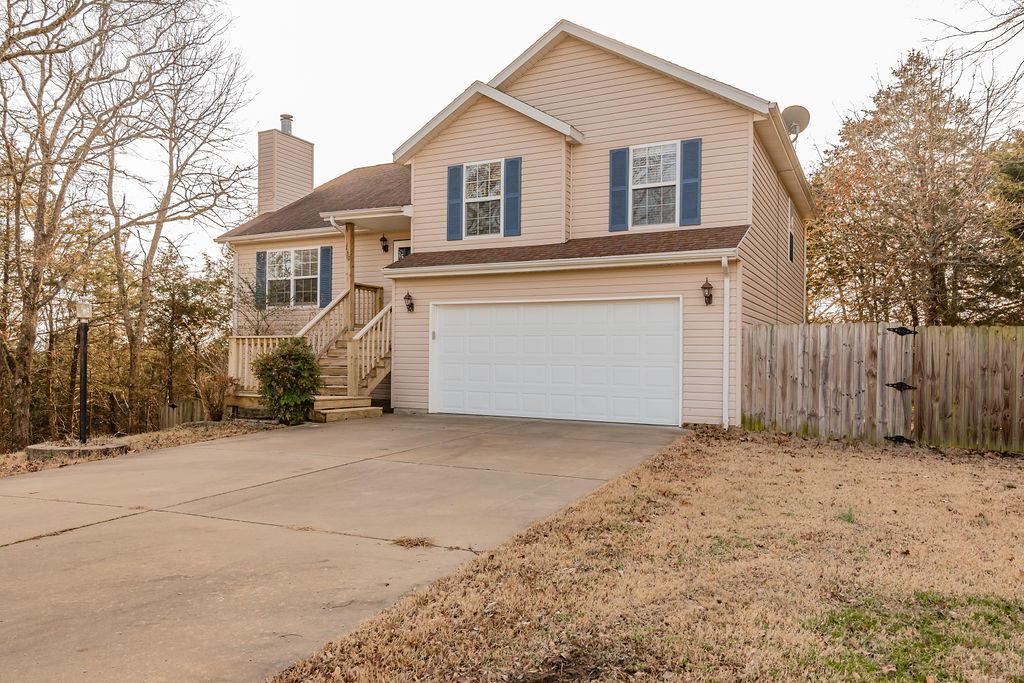 230 Pickett Ridge Court Kirbyville, MO 65679