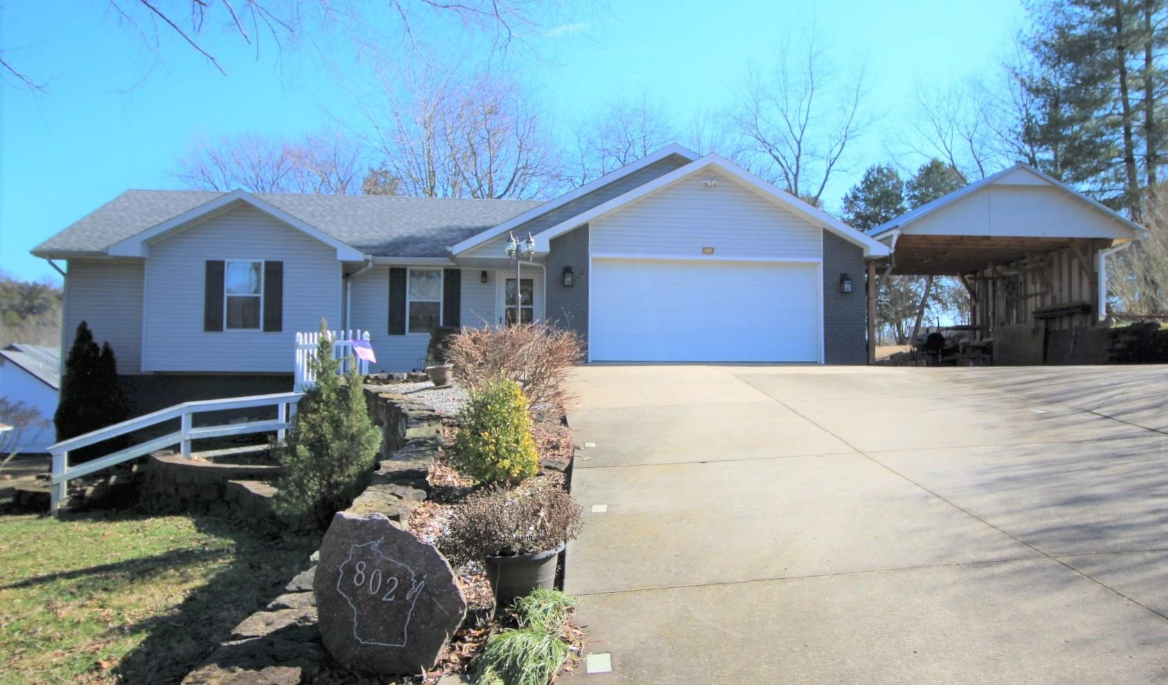 802 Wisconsin Road Hollister, MO 65672