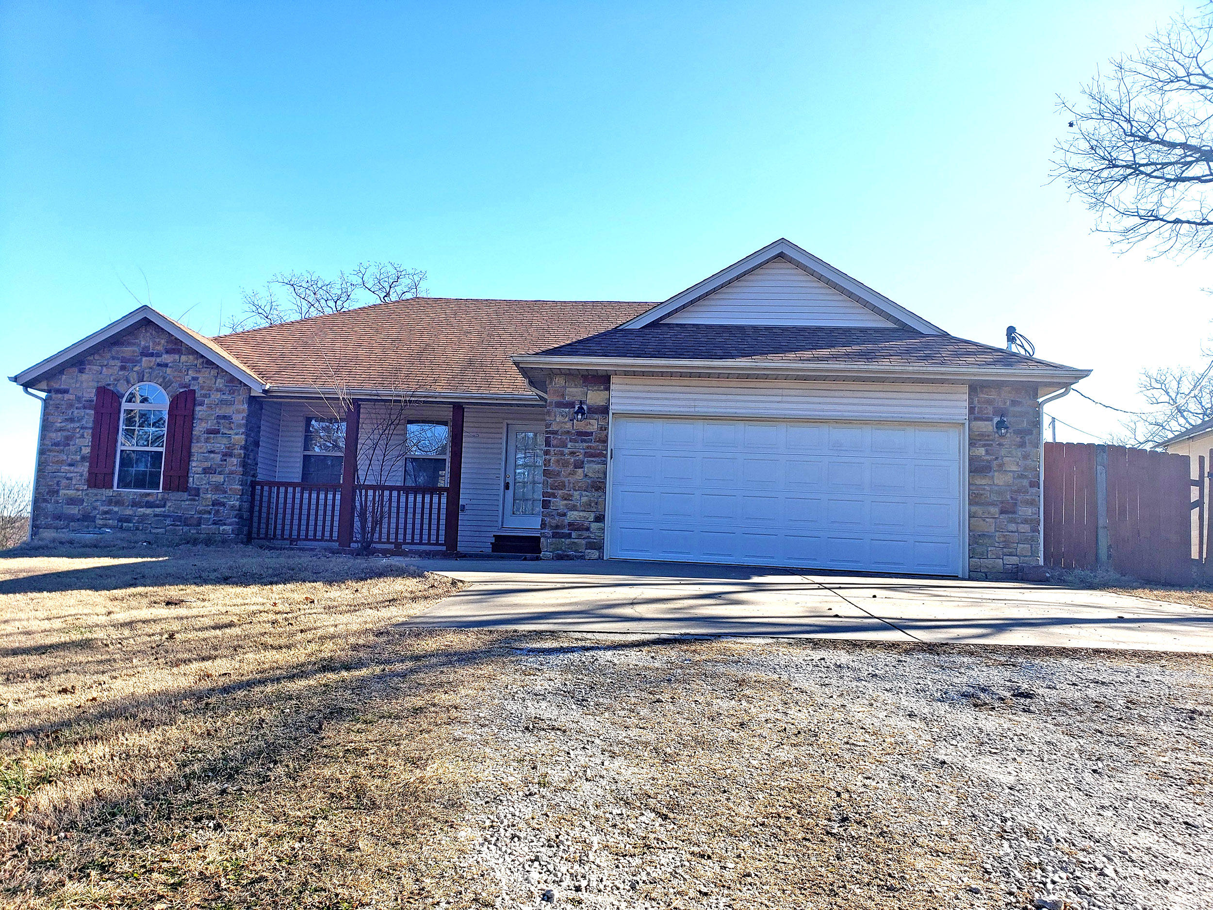 775 Iowa Colony Road Hollister, MO 65672
