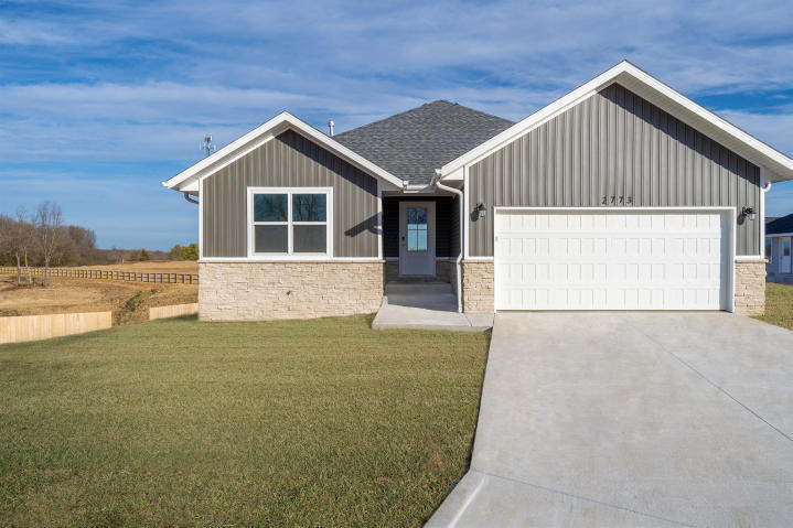 3927 North Spring Branch Court Springfield, MO 65803