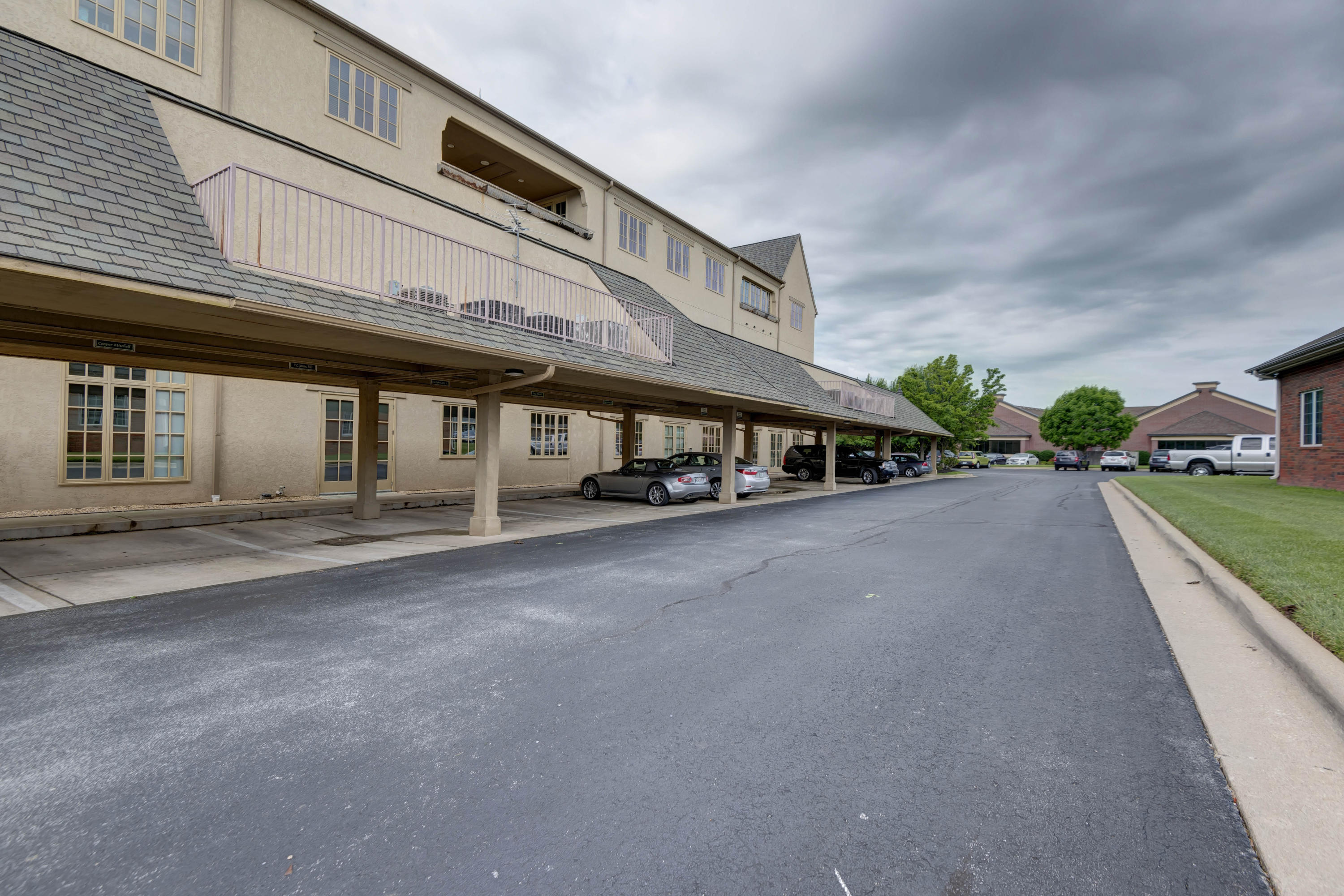 1531 East Bradford Parkway UNIT 2nd/3rd Floors Except 225 Springfield, MO 65804