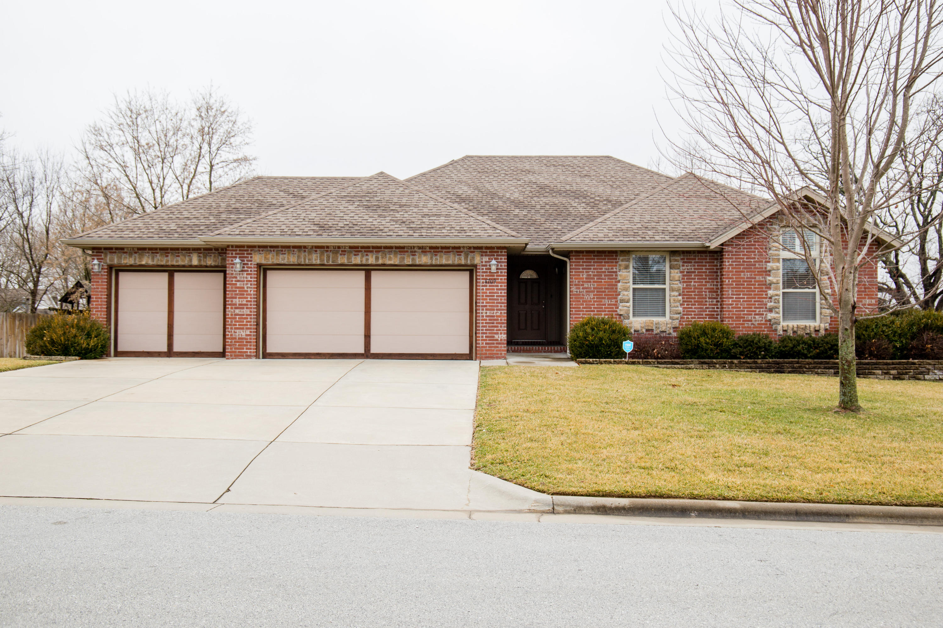 4709 South Gold Road Battlefield, MO 65619