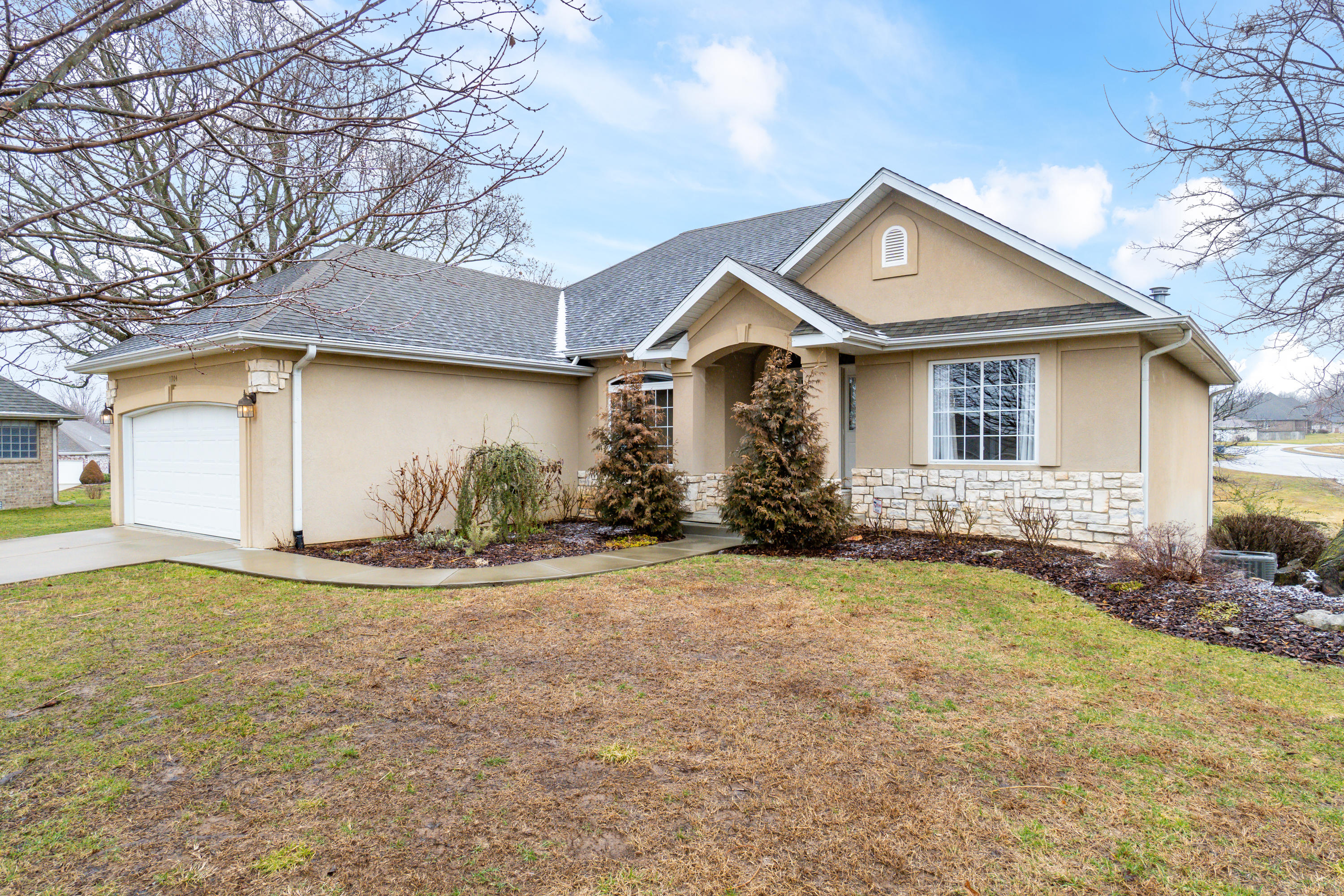 1704 Zachary Court Nixa, MO 65714
