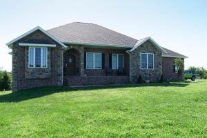 9224 North Farm Rd 99, Willard, MO 65781