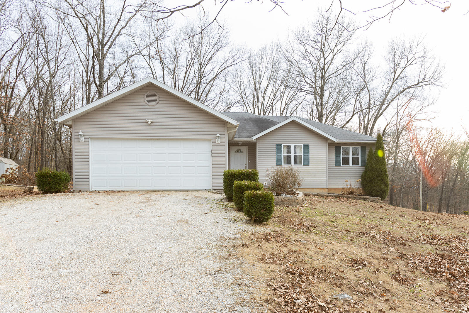 325 Orchard Drive Ridgedale, MO 65739