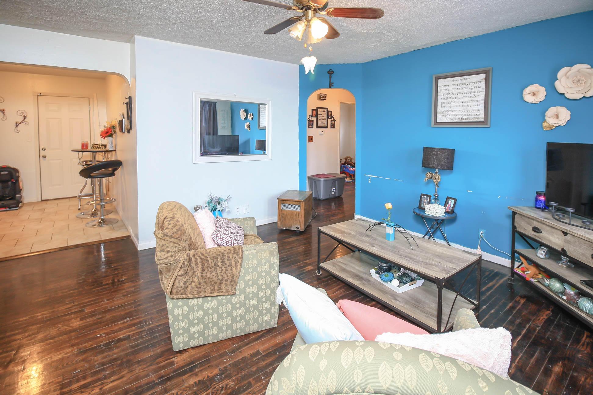 2011 North Delaware Avenue Springfield, MO 65803