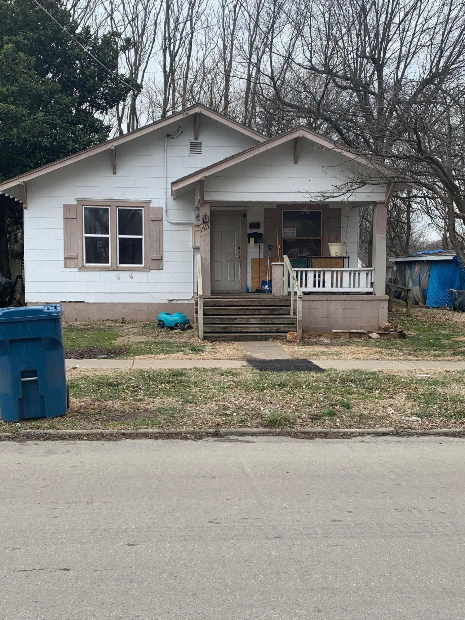 1511 North Lyon Avenue Springfield, MO 65803