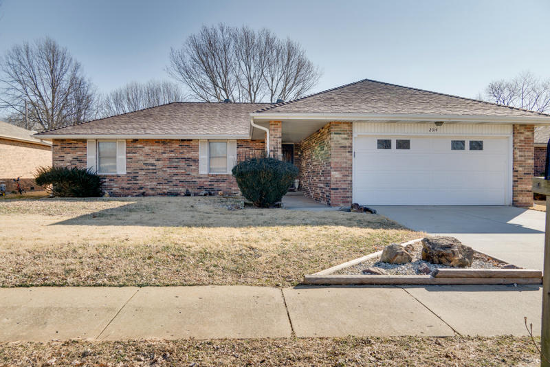 2014 South Thelma Avenue Springfield, MO 65807
