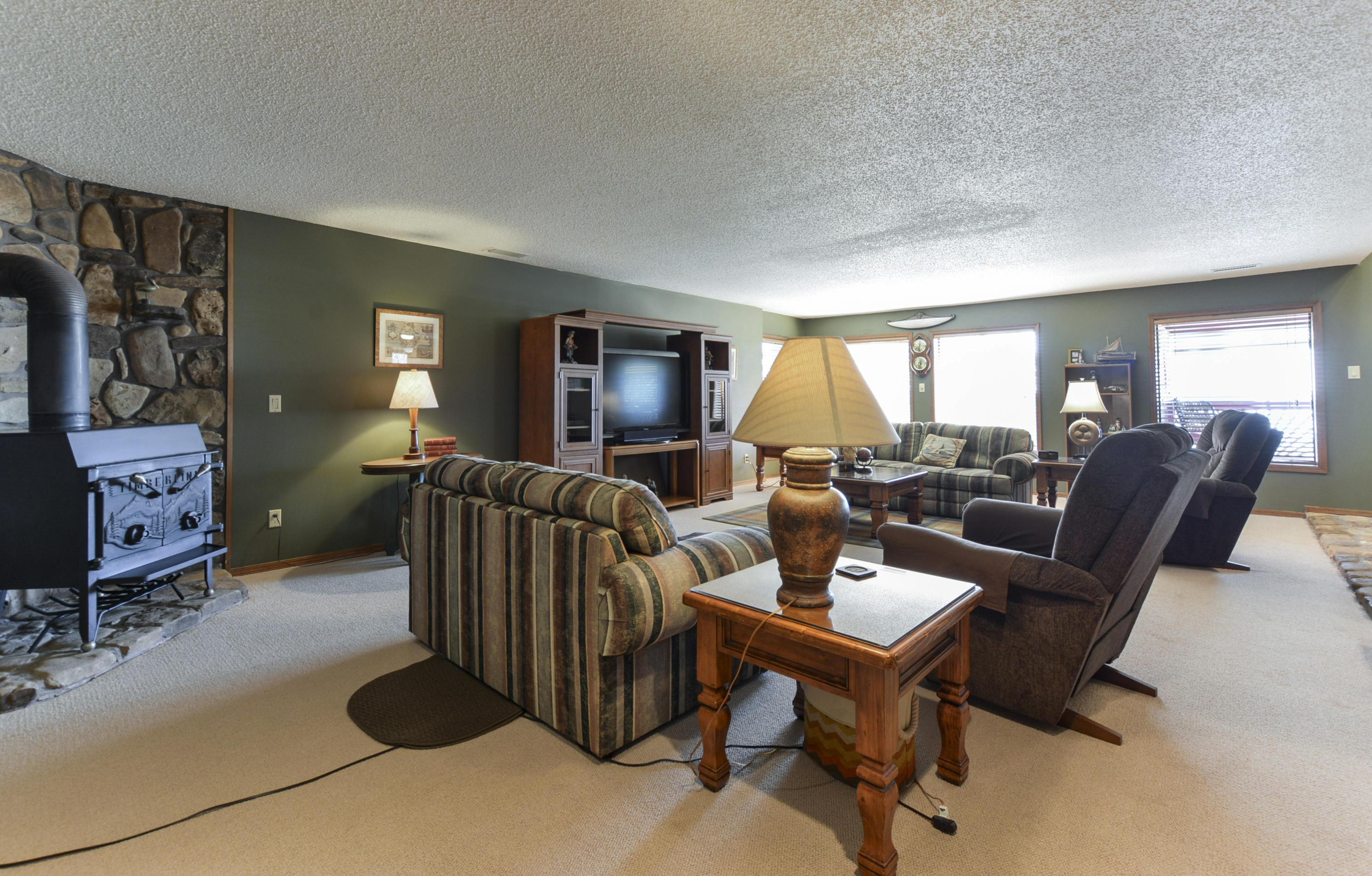 15 Greenview Drive Kimberling City, MO 65686