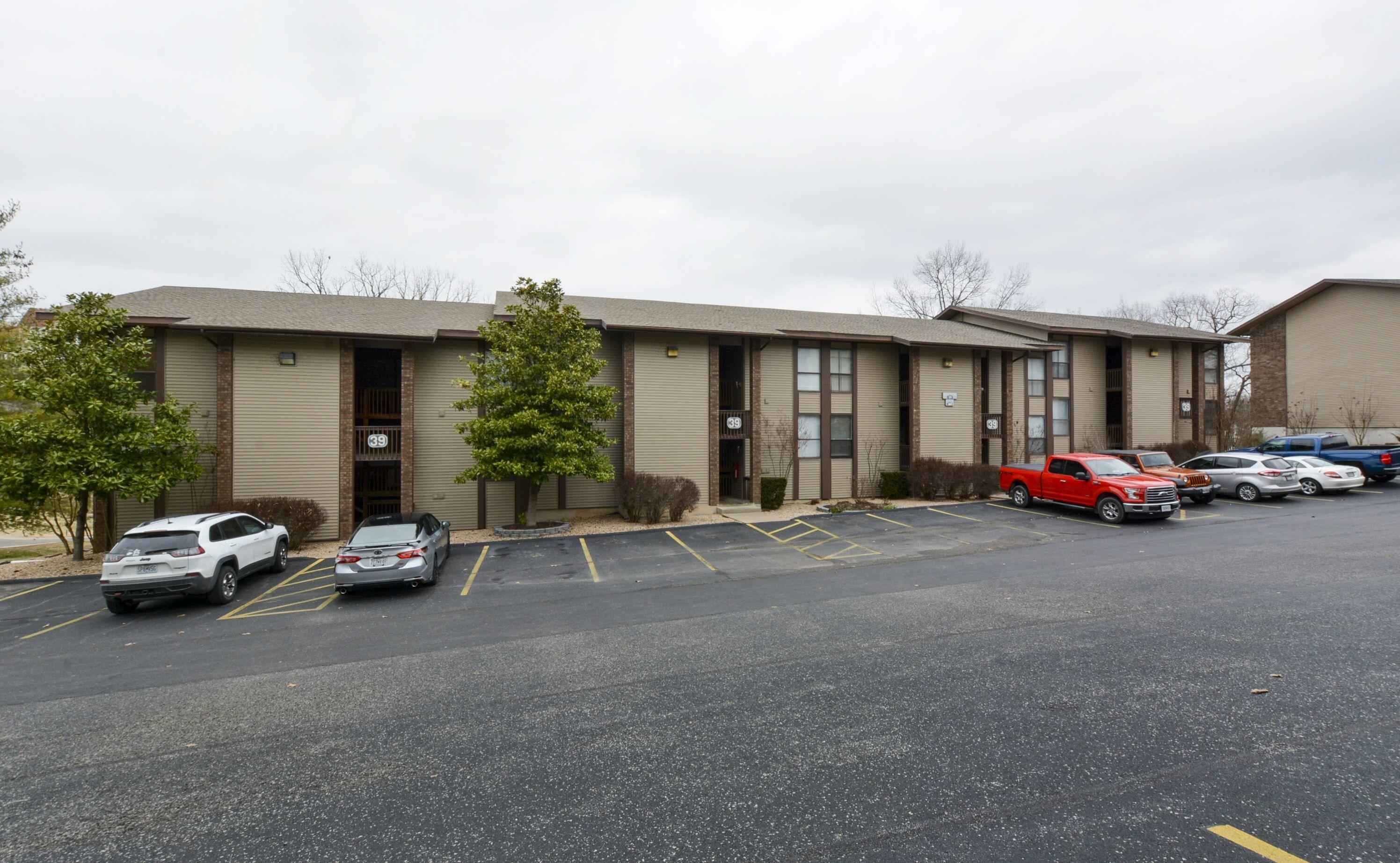 180 Lake Club Drive Unit 22 Branson, MO 65616
