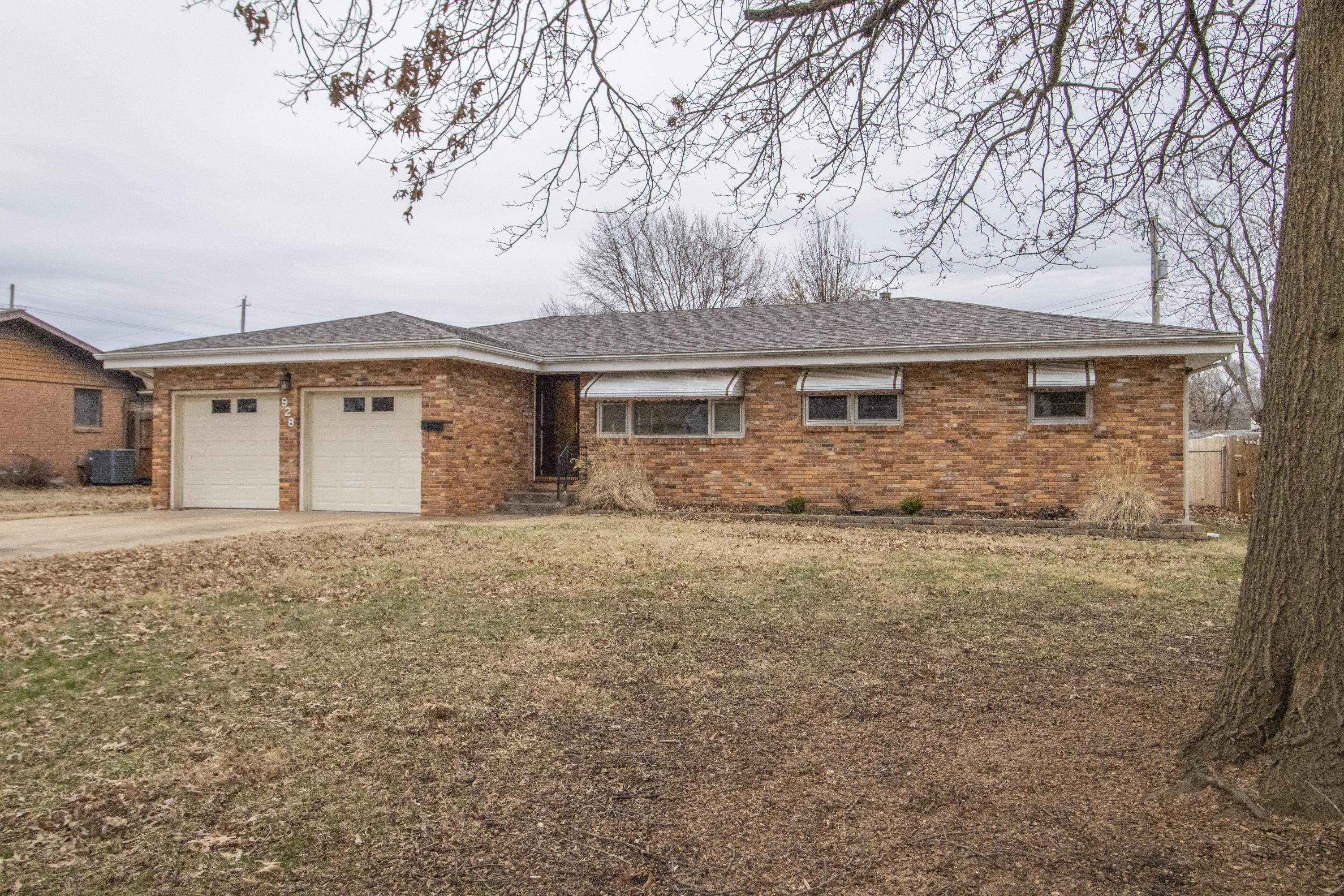 928 North Belview Avenue Springfield, MO 65802
