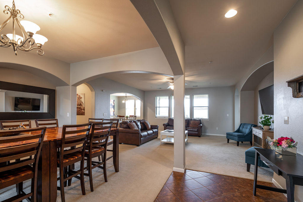 209 Stoney Pointe Drive Hollister, MO 65672