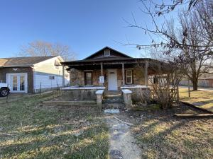 2746 West Lincoln Street, Springfield, MO 65802