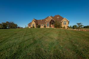 4610 North Farm Rd 249, Strafford, MO 65757