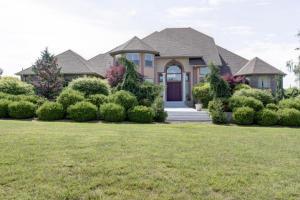 Beautiful Estate on 4.64 Acres