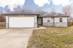 109 Holly Ridge Road, Willard, MO 65781