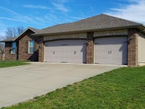 190 Sparrow Lane, Willard, MO 65781