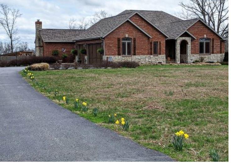 8 Mission Ridge Reeds Spring, MO 65737