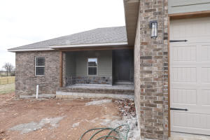 5630 East Park Place, Strafford, MO 65757