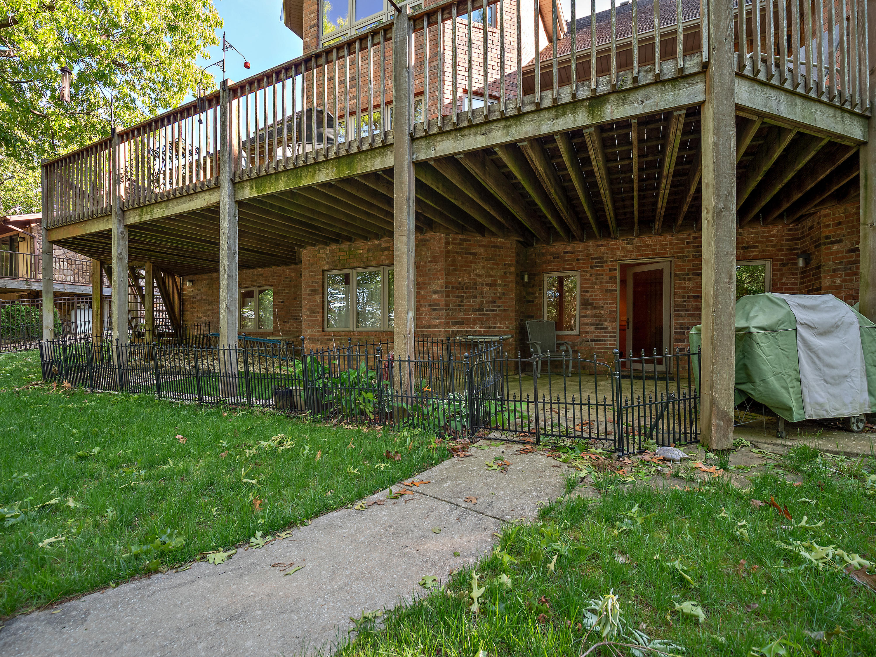 216 North Walnut Street Blue Eye, MO 65611