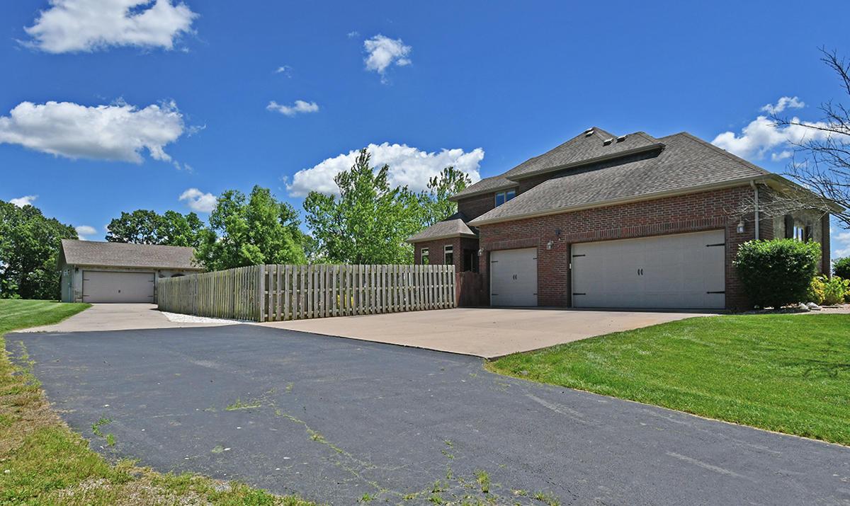 214 Oak Knoll Road Sparta, MO 65753