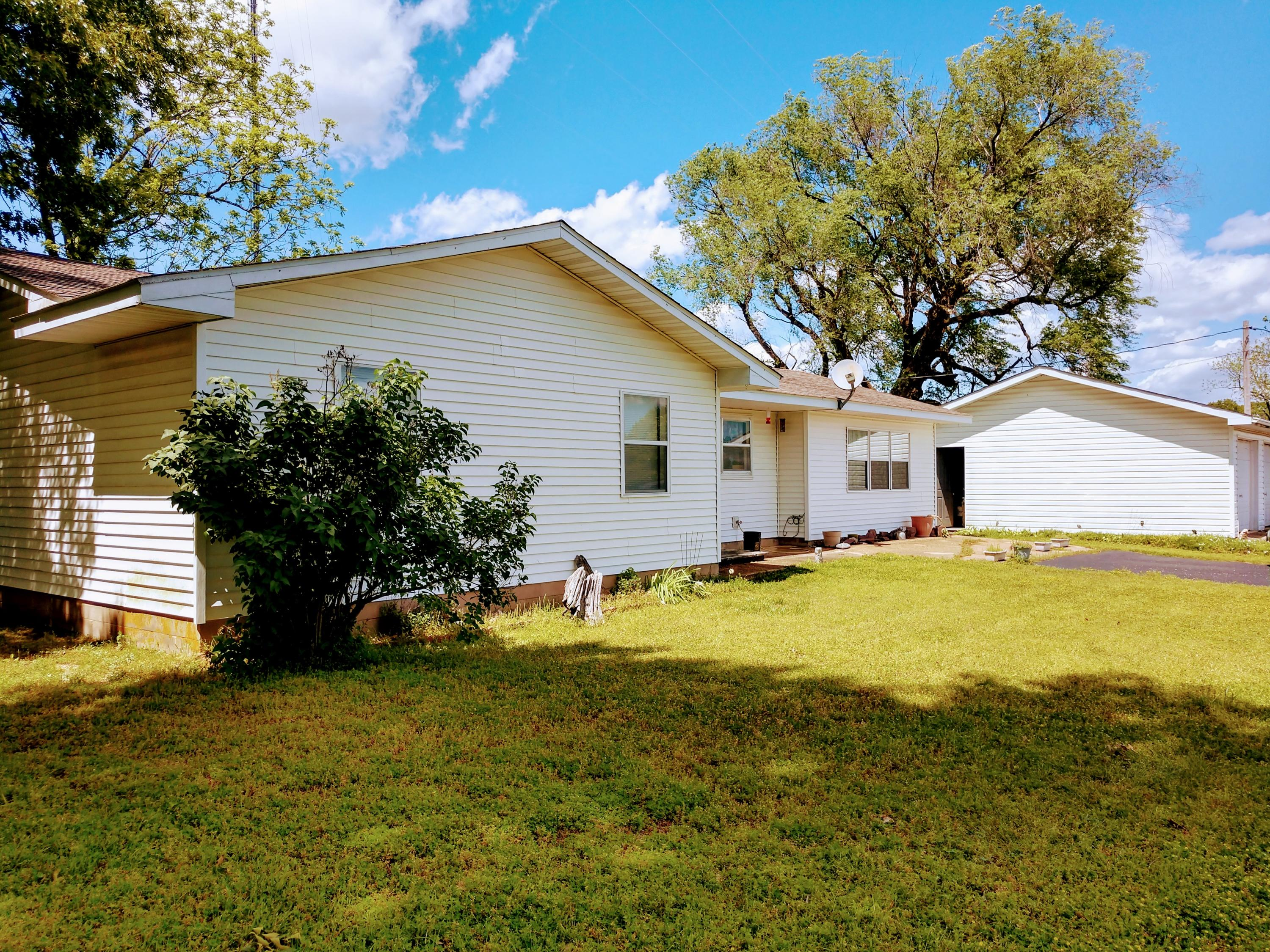 15519 Us Highway 160 Gainesville, MO 65655