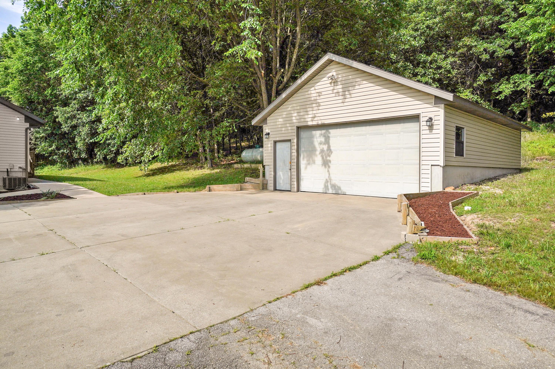 11957 North Farm Road 101 Willard, MO 65781