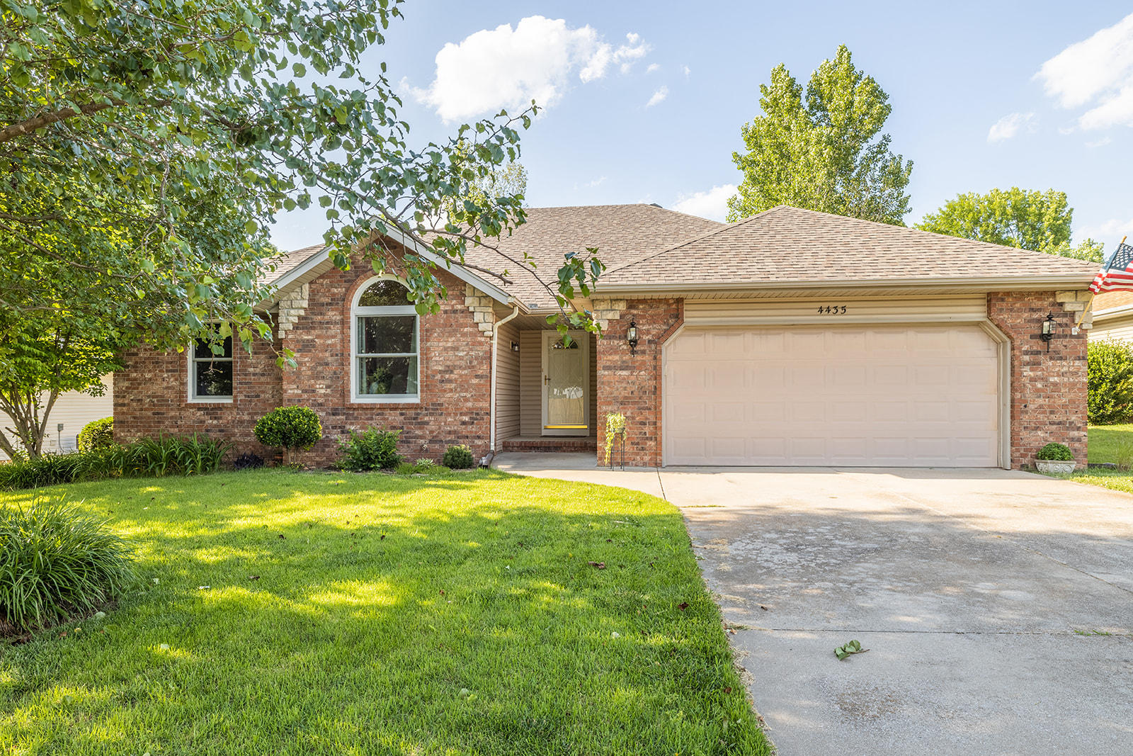 4435 West Westwood Drive Battlefield, MO 65619