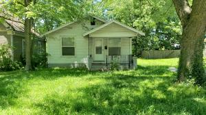2045 North Johnston Avenue, Springfield, MO 65803