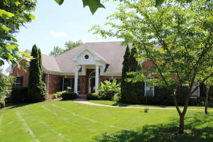 4226 East Woodland Street, Springfield, MO 65809