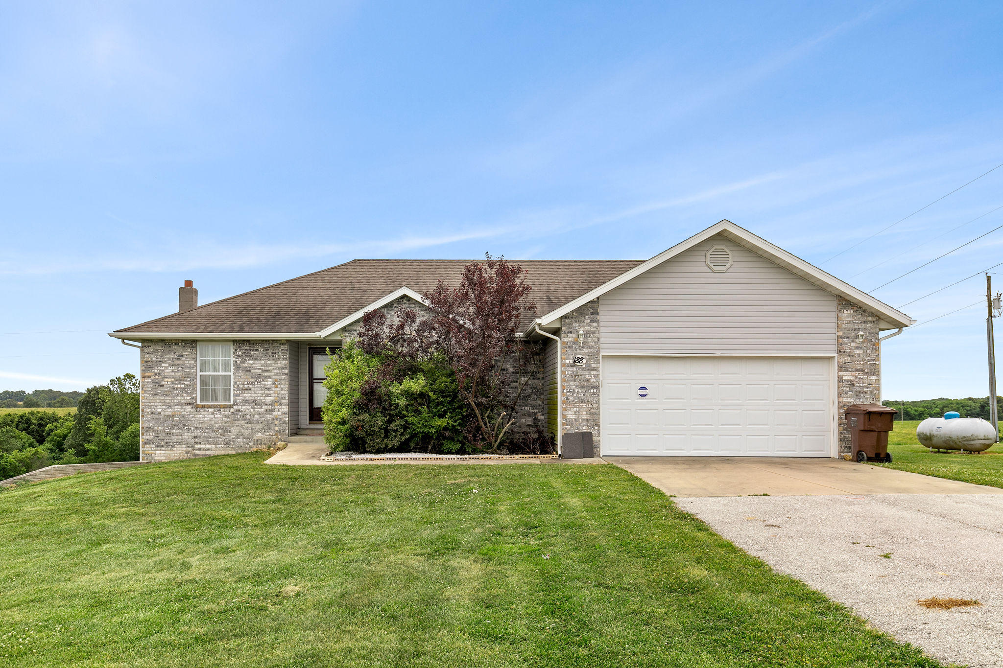 188 Bear Ridge Highlandville, MO 65669
